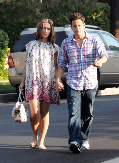 Jennifer_love_hewitt__out_and_about