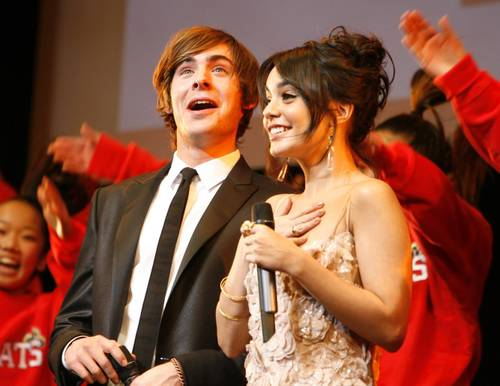 Vanessa_hudgens_zac_efron_high_sc_4