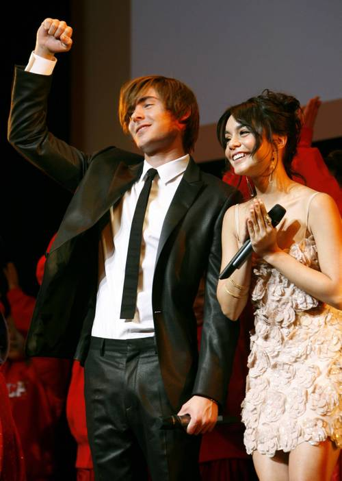 Vanessa_hudgens_zac_efron_high_sc_5