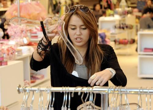 Miley_cyrus_barneys_new_york_cele_4