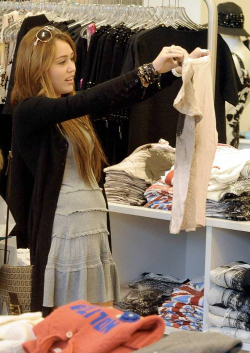 Miley_cyrus_barneys_new_york_cele_5