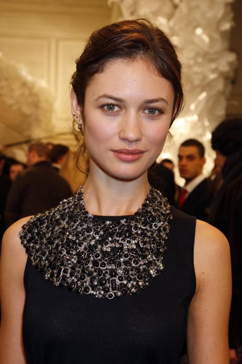Olga_kurylenko_chanel_at_paris_fash