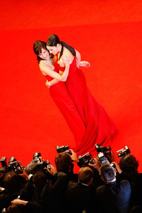 Monica_bellucci_and_sophie_marcea_3
